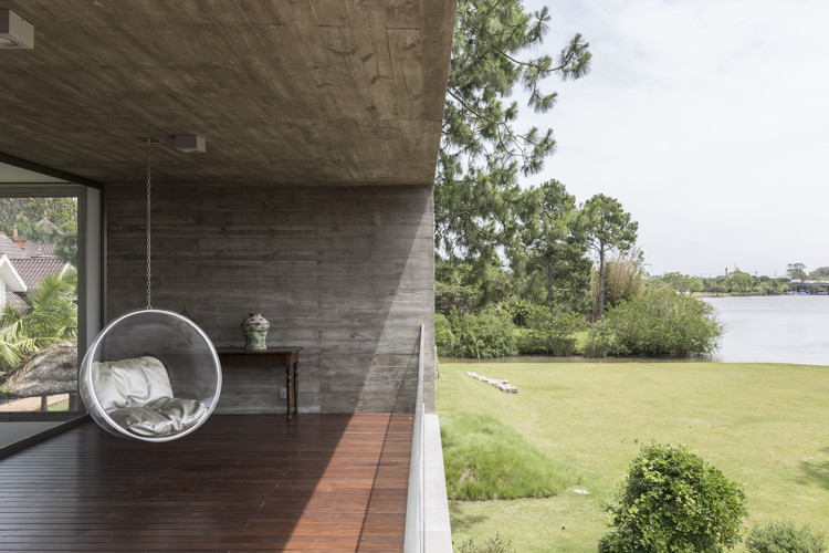 Casa no Arroio Pelotas  / Rmk! Arquitetura, © Marcelo Donadussi