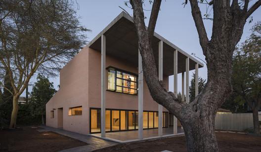 Casa Perea Borobio / Canales Lombardero