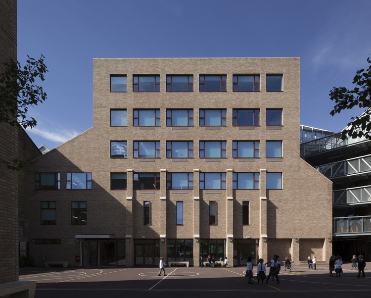 Hackney New School  / Henley Halebrown Architects, © Nicholas Kane