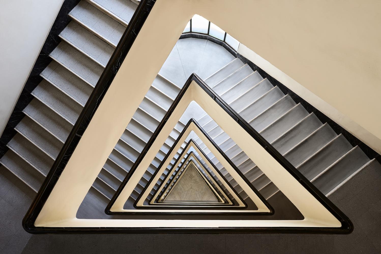 3fe19379b6 Escadas Art Déco de Budapeste pelas lentes de Balint Alovits,© Balint  Alovits
