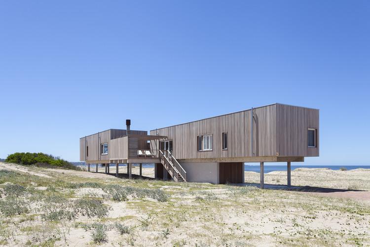Casa de playa en Chihuahua / Colle-Croce + Mariana Kusenier, © Javier Agustín Rojas