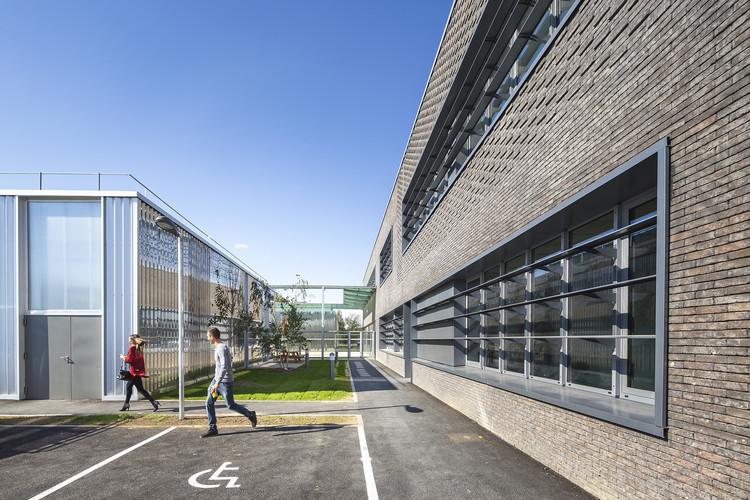 Apprentice School in Brétigny-sur-Orge / archi5, © Sergio Grazia