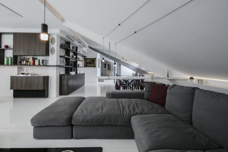 P house sycamore archdaily for Voir interieur de maison