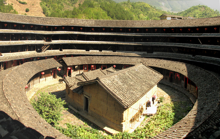 4 Chinese Vernacular Dwellings You Should Know About (Before They Disappear), © <a href='https://www.flickr.com/photos/justaslice/3051644043'>Flickr user Slices of Light</a> licensed under <a href='https://creativecommons.org/licenses/by-nc-nd/2.0/deed.en'>CC BY-NC-ND 2.0</a>