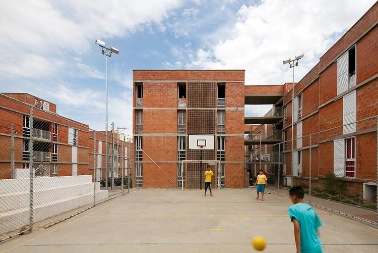 Jardim Vicentina Urbanization  / Vigliecca & Associados, © Leonardo Finotti