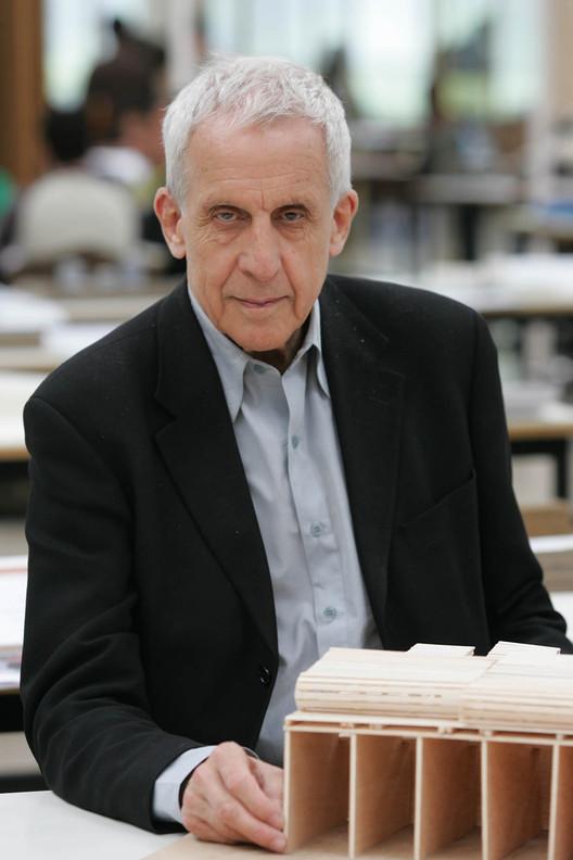 Kenneth Frampton, Doctor Honoris Causa por la Politécnica de Madrid, Kenneth Frampton. Image Cortesia de Trienal de Lisboa