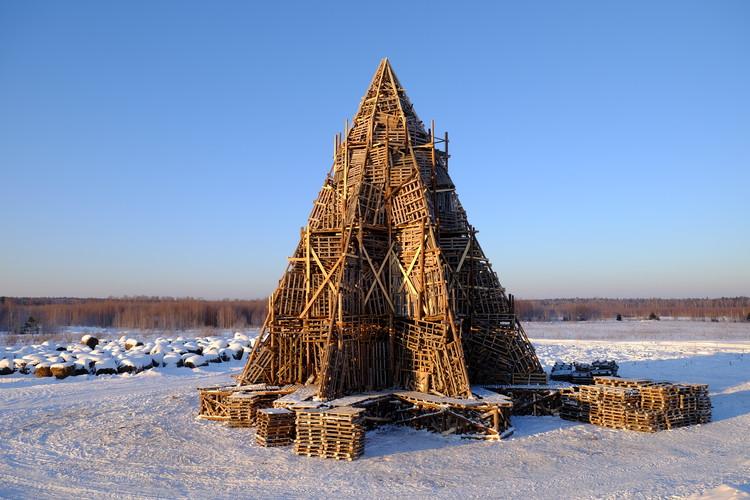 Nikolay Polissky revela su última estructura artesanal de madera, Cortesía de Ivan Polissky