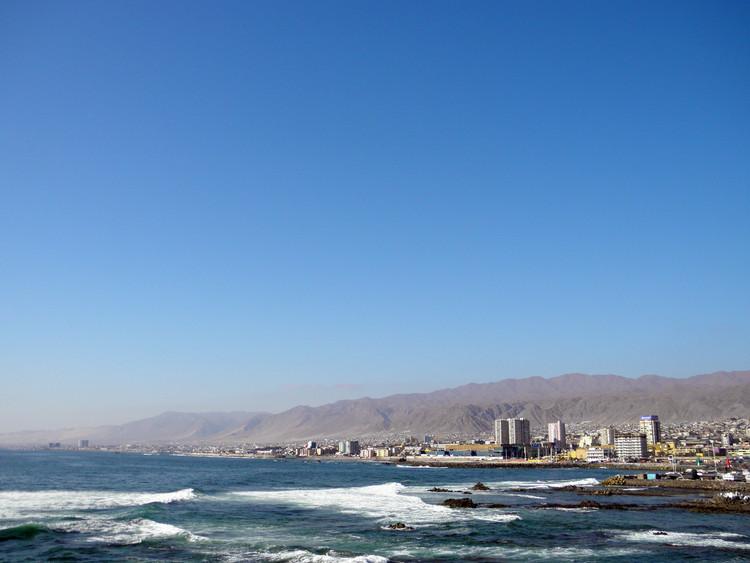 Teodoro Fernández, Urbana E&D y GSI ganan concurso 'Parque Metropolitano Borde Costero Antofagasta', Antofagasta, Chile. Image © Luis Albeart [Flickr], bajo licencia CC BY-NC-ND 2.0
