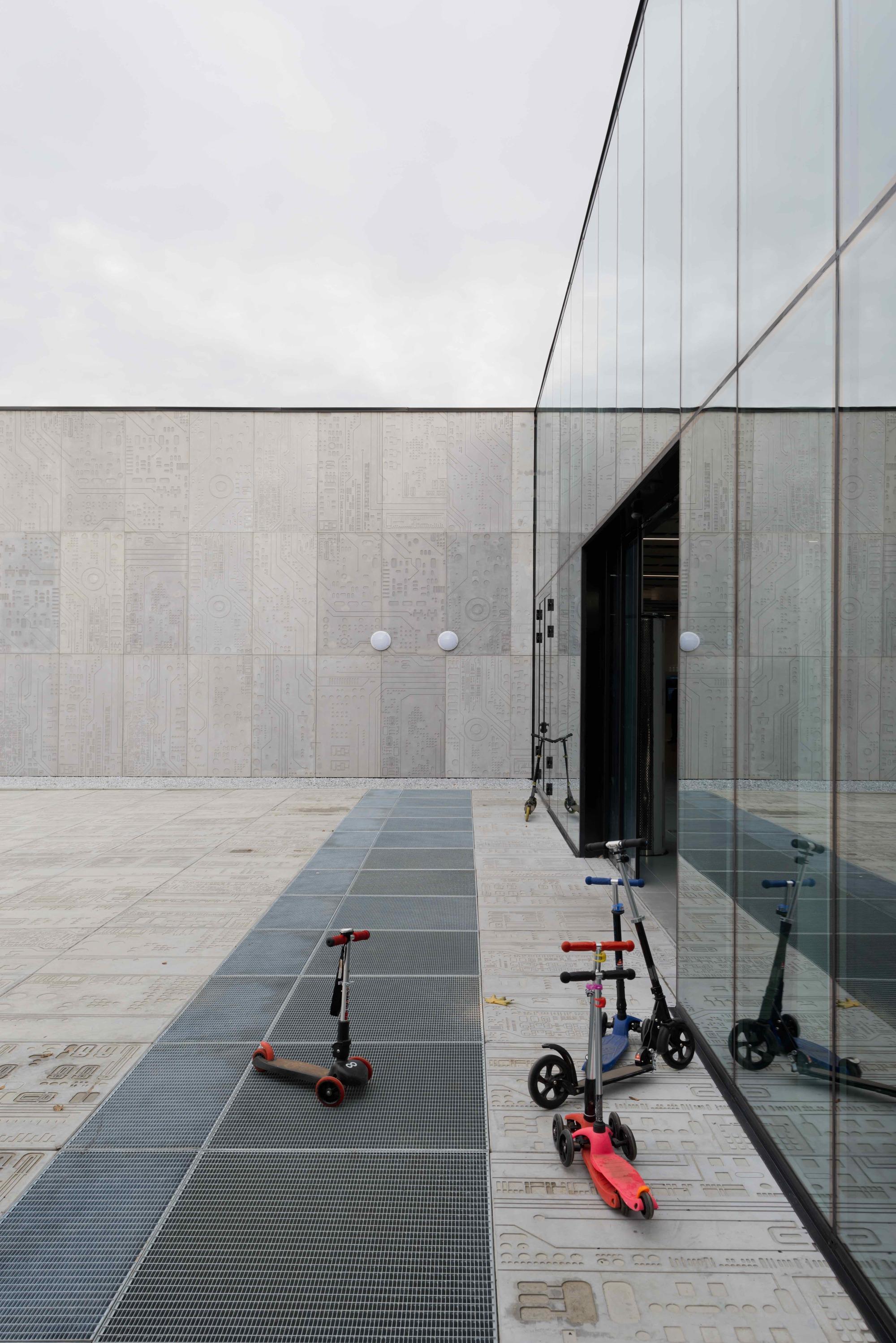 Best Image Pavilion DIT [Department of Information Technology] / Architecture bureau WALL