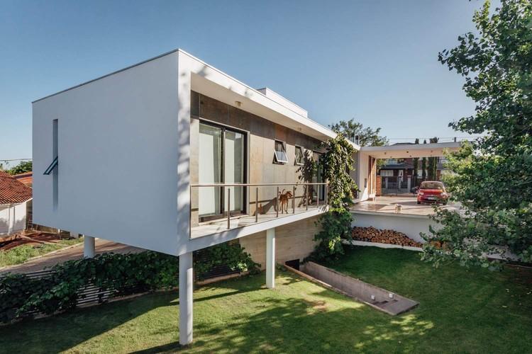 Material em Foco: Casa Rieger por Leonardo Ciotta Arquitetura, © Cristiano Bauce