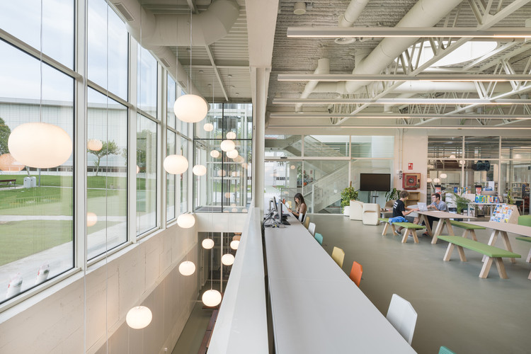 Librería y Cafetería  American school of Madrid  / Luis Gayarre arquitectos, © Imagen subliminal