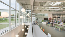 Livraria e Café American School of Madrid  / Luis Gayarre arquitectos