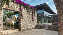 Pavilhão de Visitas da Fazenda El Barreno / Grupoarquitectura