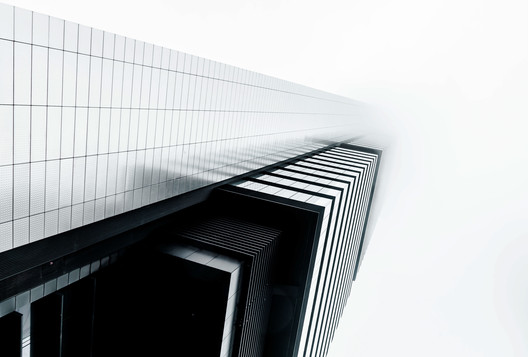 Cepsa Tower / Norman Foster. Image © Joel Filipe