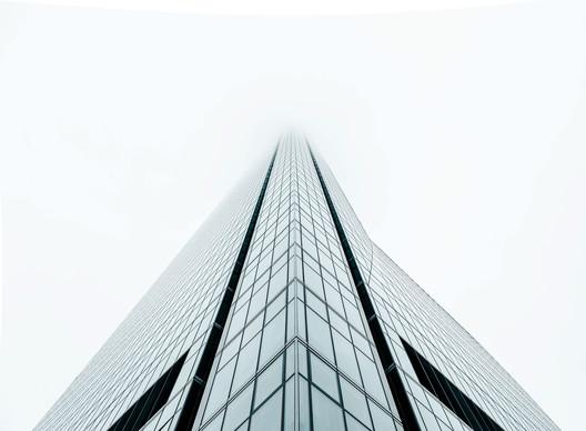 Crystal Tower/ César Pelli and Ortiz & Léon. Image © Joel Filipe