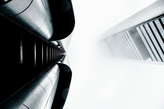 PwC Tower/ Carlos Rubio Carvajal and Enrique Álvarez-Sala Walther + Torre Cepsa / Norman Foster. Image © Joel Filipe