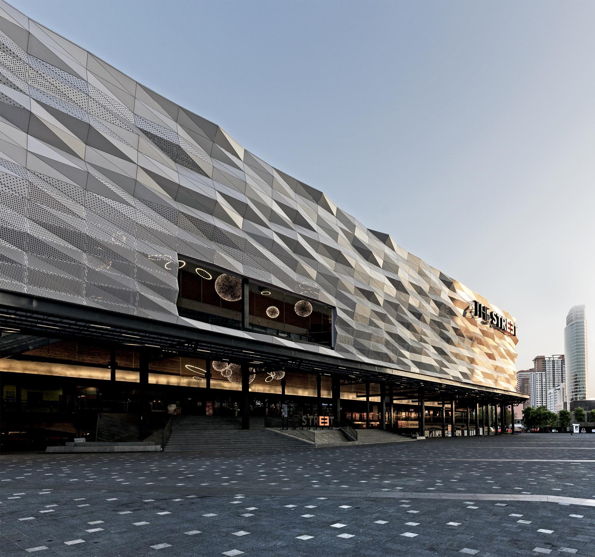Lighting Shop At Balestier Plaza: The Street Ratchada / Architectkidd