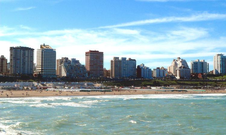 Guía de arquitectura en Mar del Plata: 10 sitios que todo arquitecto debe conocer, vía © Wikipedia User: Marianogemin Licensed under CC BY-SA 4.0