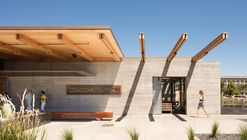Cowiche Canyon Kitchen and Icehouse Bar / Graham Baba Architects