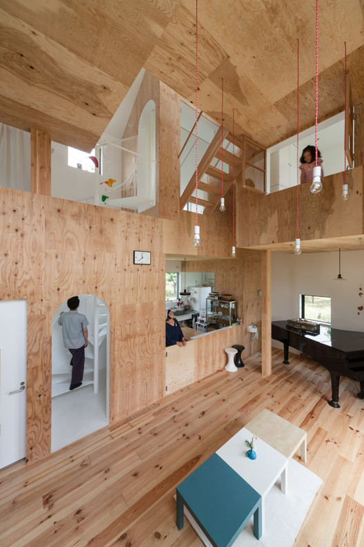 Olioli / Seets + Spectacle, Courtesy of Japan Architecture