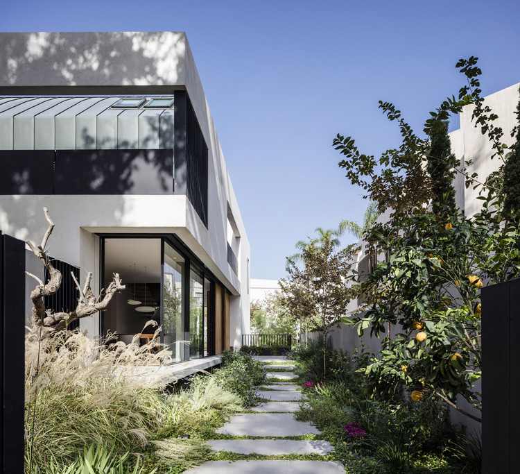 House in Hertzliya Pituah  / Levin Packer architects, © Amit Geron