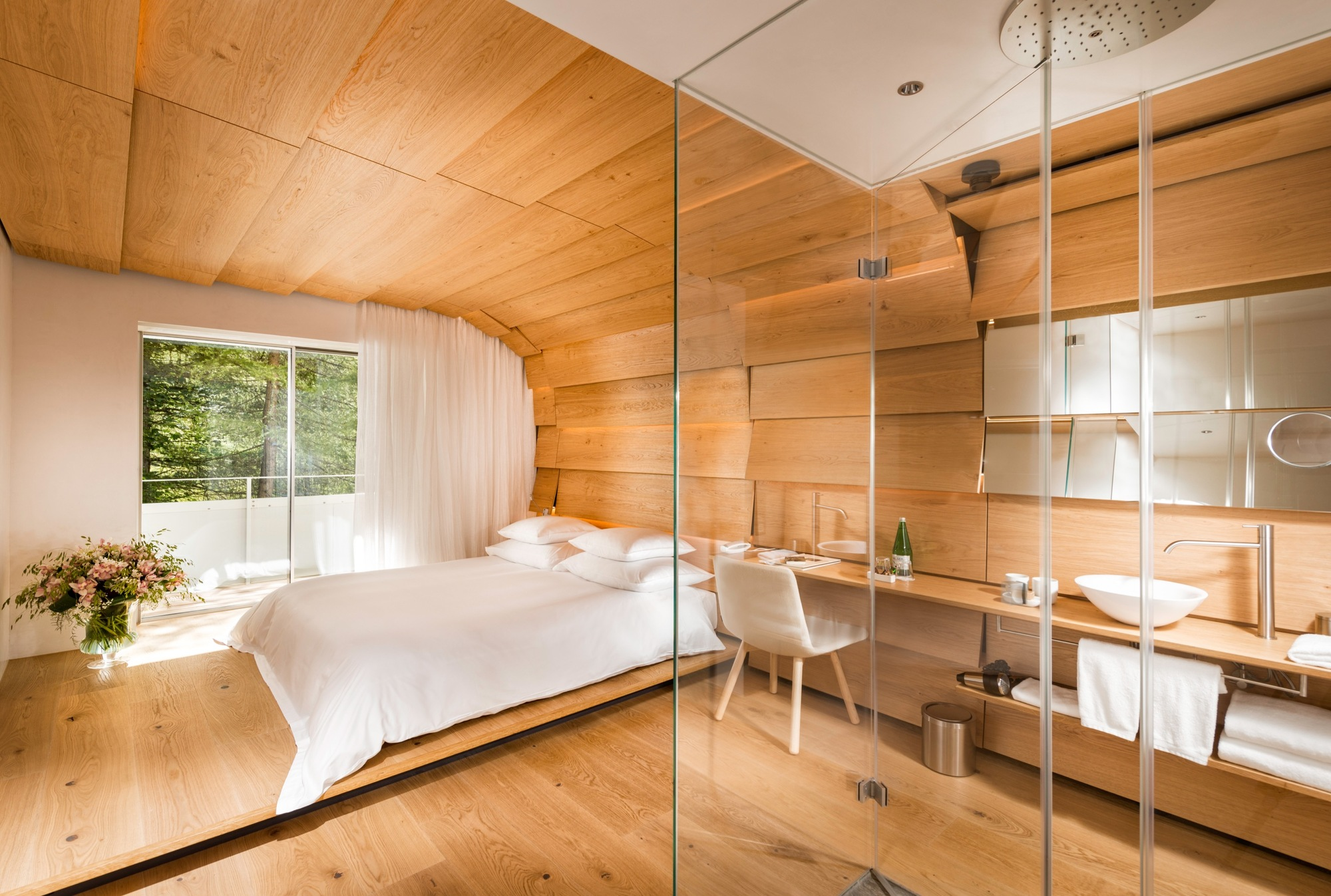 Gallery of thom mayne ando kuma zumthor contribute for Design hotel vals