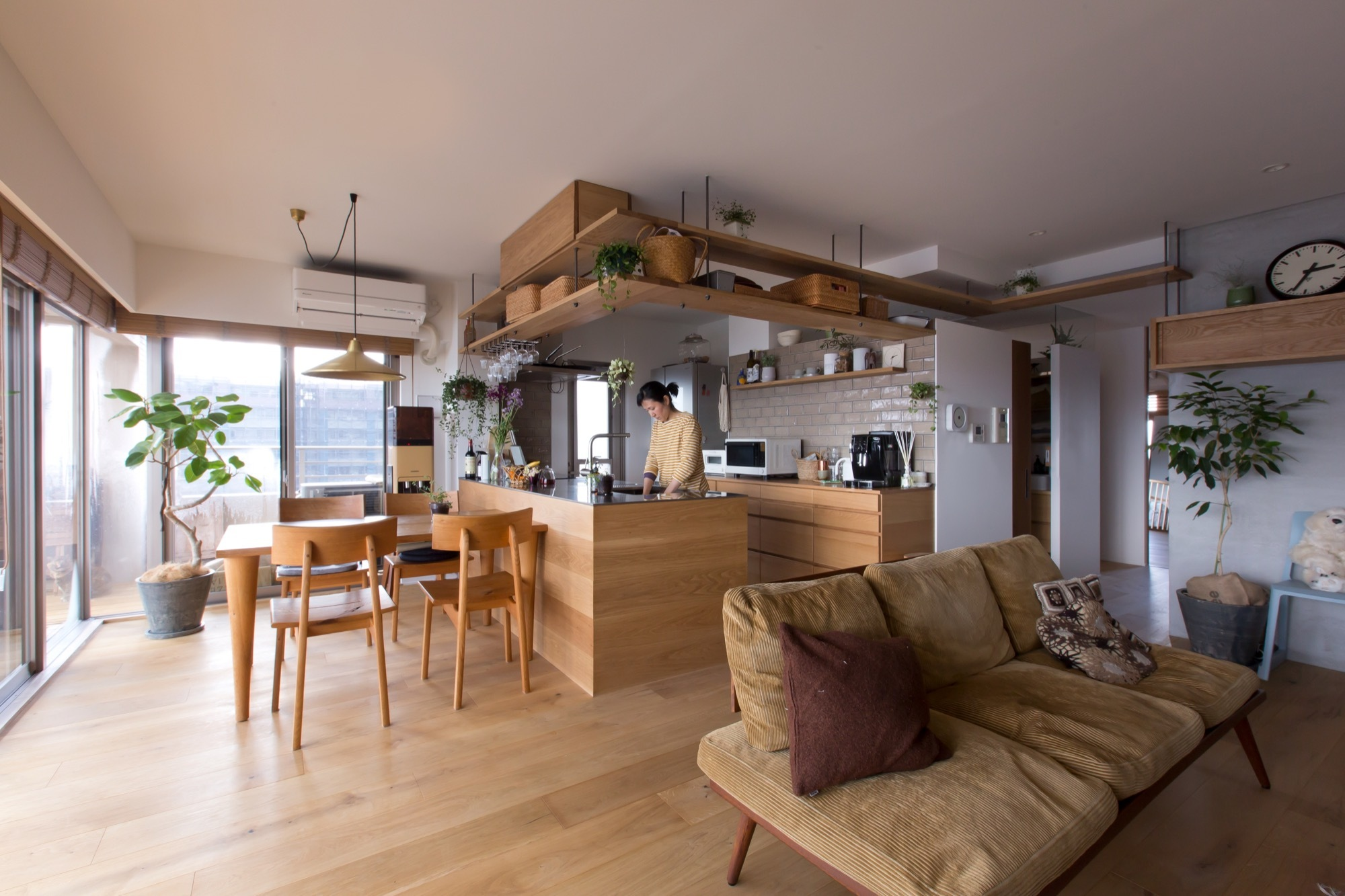 Nionohama Apartment House Renovation Alts Design Office