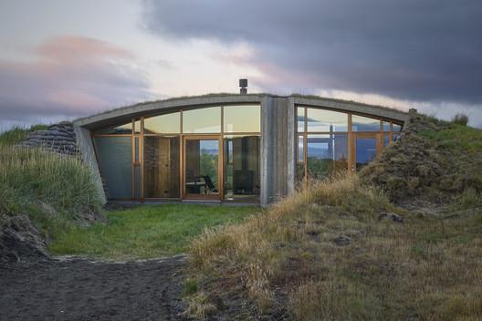 Garður Landhouse / Studio Granda