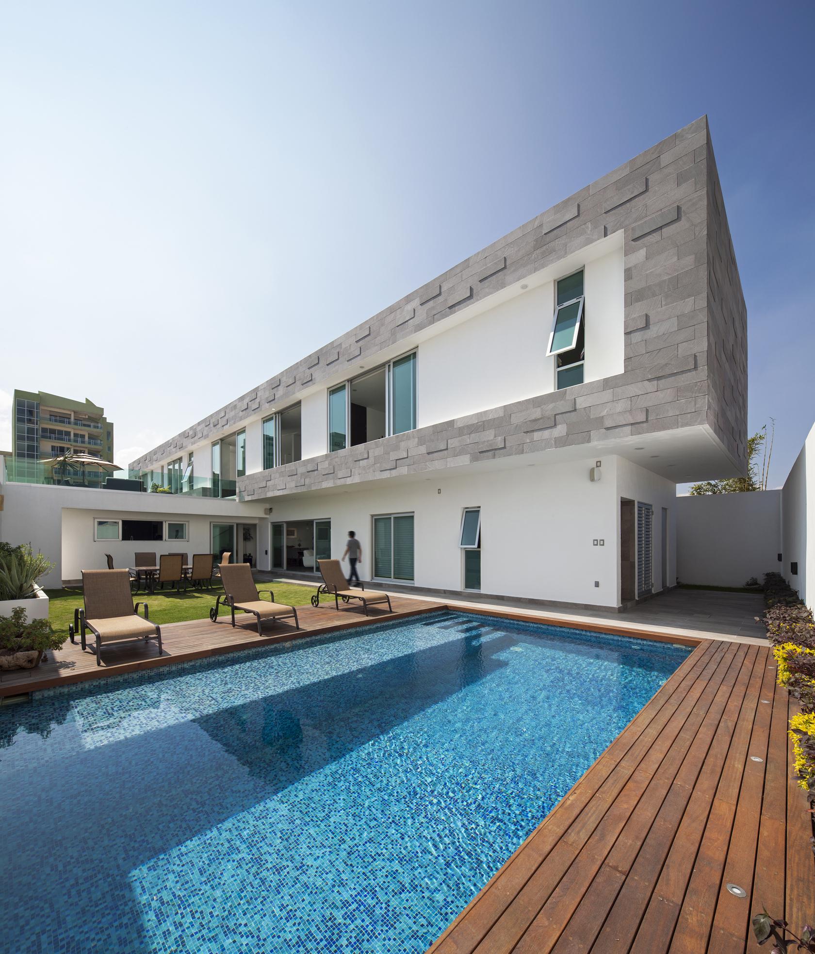 Galeria Arquitectonica: Galeria De Casa Ivanna / OBRA BLANCA