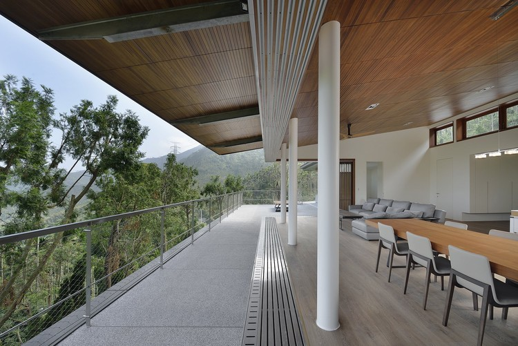 Stilted House / Wang Hsiao-Kuei Architecture Studio, © Cheng Chin-Ming