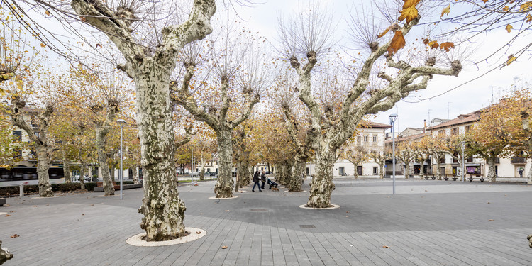Urdanibia Square / SCOB, © Adrià Goula