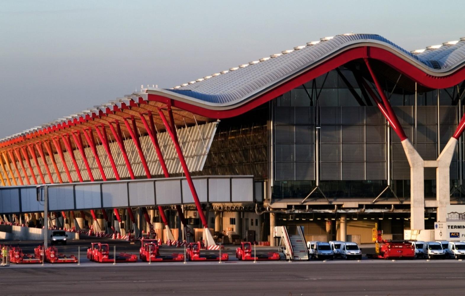 6418f312b0b Madrid-Barajas Airport Terminal 4 / Estudio Lamela & Rogers Stirk Harbour +  Partners