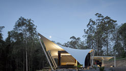 Tent House / Sparks Architects