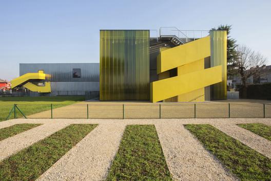 G.Zanella Primary School Renovation and Extension / Giulia de Appolonia- officina di architettura