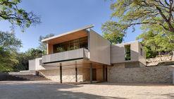 Casa Balcones / Pollen Architecture & Design