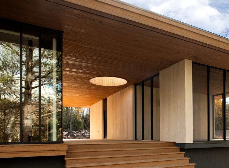 Casa de campo em Lanaudière / STOA ARCHITECTURE, © Normand Rajotte