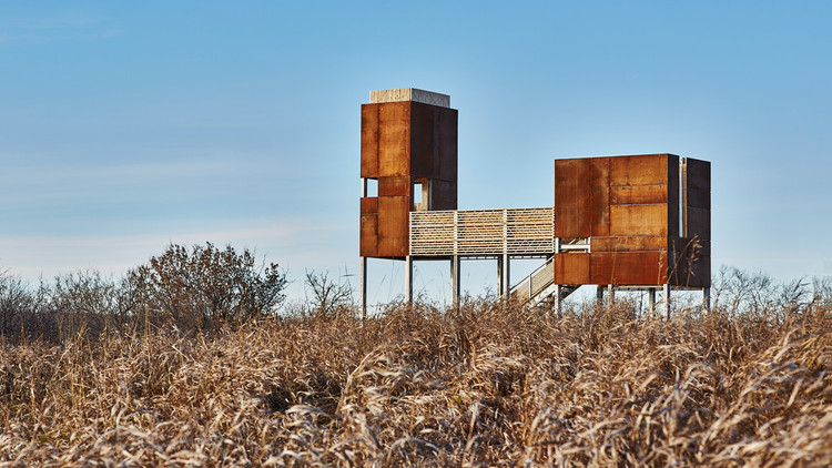 Storyboard on the Landscape / Ekistics Planning & Design, Viewing platform. Floating over the landscape—overlooking the East Village and the river—the structure is comprised of two weathering steel bodies connected by a stage. Image © Peter Lawrence