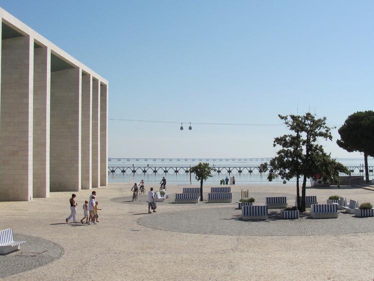 Lisboa abre candidaturas para voluntários testarem o novo sistema de bicicletas compartilhadas, Parque das Nações, Lisboa. Image © Alexandre F. Jorge, via Flickr. Licença CC BY-NC 2.0