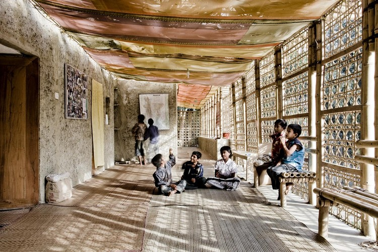 Anna heringer hacia una arquitectura artesanal y for Hacia una arquitectura