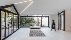 Thirty-pine Villa / Aleshtar Architectural Office