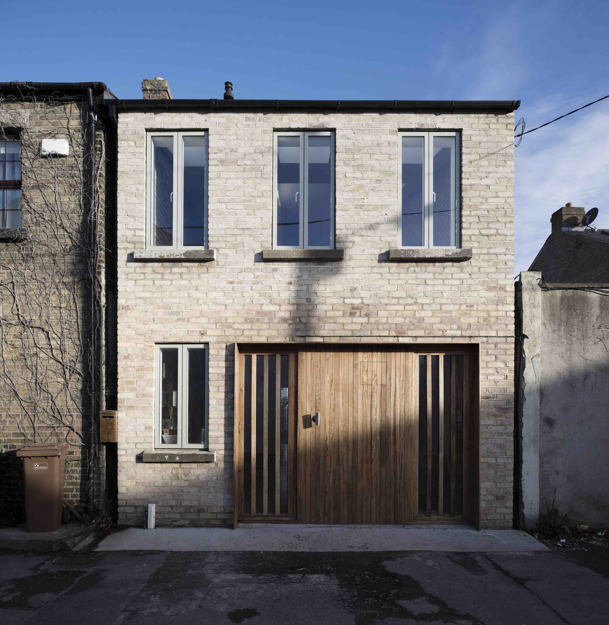 Gallery of cratlach mews house dua 5 for Modern irish house architecture