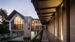 Baan Klang Suan / ForX Design Studio