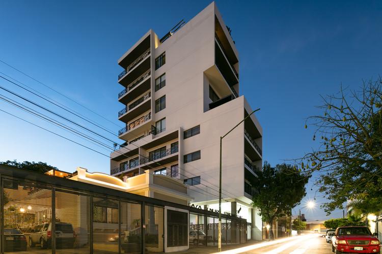 Edificio Casa Coronado  / Trama Arquitectos, © Lorena Darquea