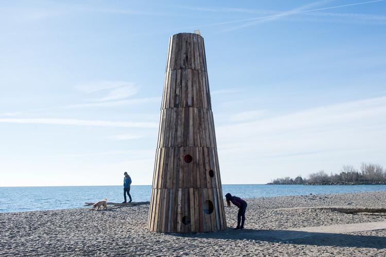 8 'estaciones de invierno' están poblando las playas de Toronto este invierno, The Beacon / Joao Araujo Sousa y Joanna Correia Silva. Image © Khristel Stecher