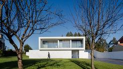 Casa Touguinhó III / Raulino Silva