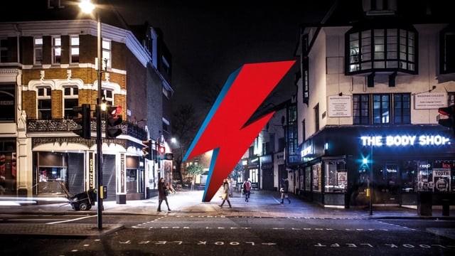 Campanha de financiamento coletivo para construir uma escultura em forma de raio em homenagem a David Bowie