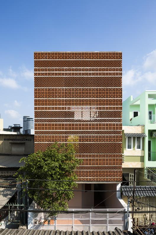 Apartment in Binh Thanh / Sanuki Daisuke architects  , © Hiroyuki Oki
