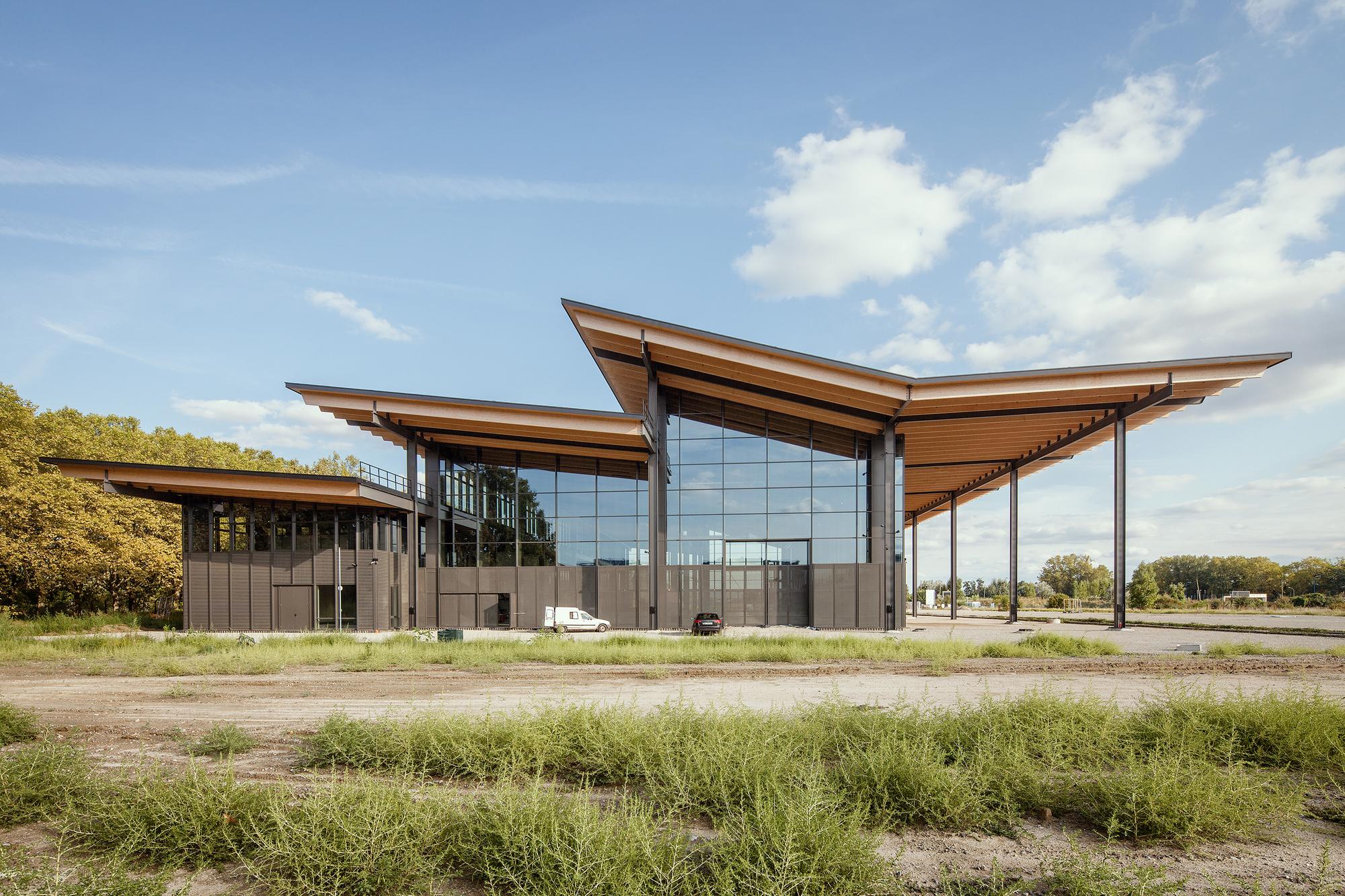 Halle du conservatoire des m caniques patrick arotcharen for Architecte batiment de france toulouse