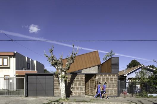 Casa Lautaro  / Felipe Alarcón Carreño