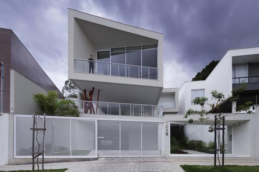 Residência JP+C / Zargos Arquitetos